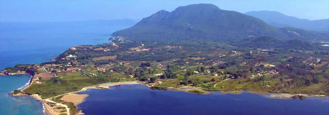 Strände auf Korfu Strand und Lagune von Chalikounas, Korission-See