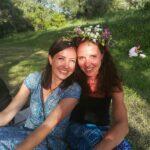 Norea (links im Foto) mit Tanja im Honigtal/Korfu
