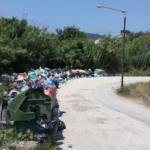 Das Foto entstand im Frühjahr 2018. Überall auf der Straße stand der Müll. Mittlerweile wurden die Abfälle beseitigt.