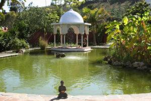 Ein großzügiger Garten lädt zum Entspannen ein