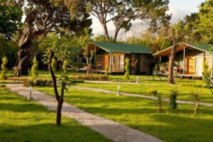 Freistehende Bungalows im weitläufigen Garten in Cirali