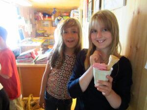 Veganes Eis schmeckt nicht nur Kindern