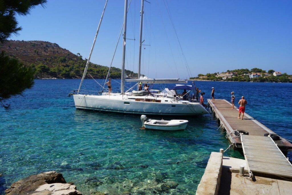 Segeln-mit-Kindern-Dalmatien-Kroatien-Steg