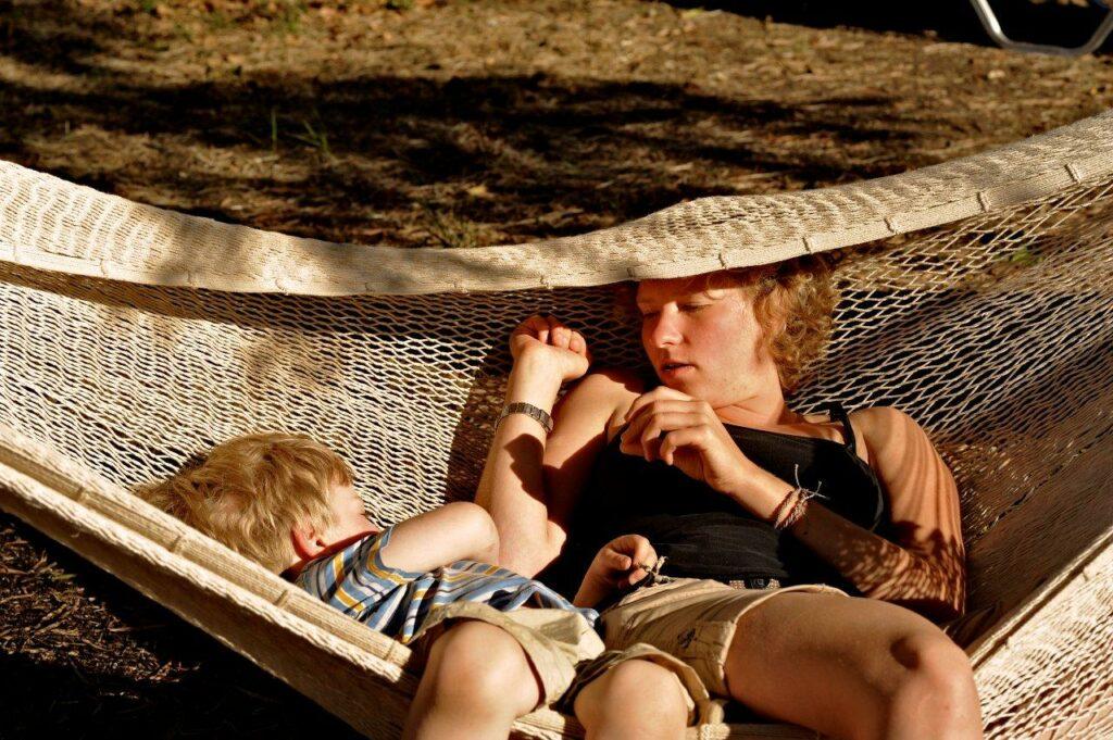 aengematte-familie-entspannung