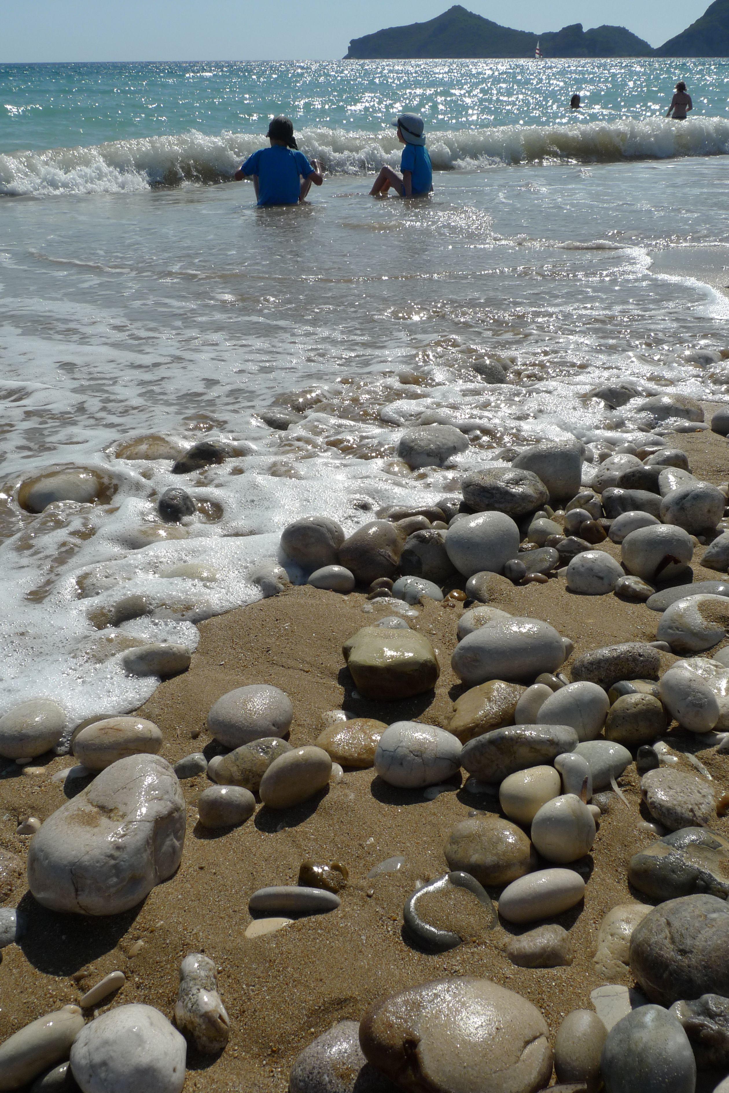Der Strand in Agios Georgios Pagi
